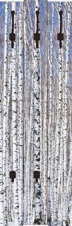 """Diese außergewöhnliche Designer-Wandgarderobe """"Axl Images: Winterbirkenwald Wintergelassenheit"""" ist ein echter Blickfang und verschönert jedes Ambiente. Mit besonders hochwertigen Druckfarben werden die Motive auf die Garderobenpaneele digital gedruckt. Die Farben strahlen auch noch nach vielen Jahren wie am ersten Tag. Die aus 16 mm dicker Holzfaserplatte gearbeiteten Garderoben bieten viel Pl..."""