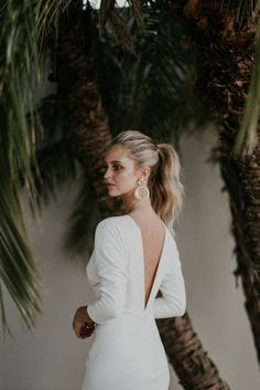 Like me, you may have fallen in love with the look of long flowy trusses, wispy wedding hairstyles for long hair, side swept or a sweetly braided hairdo. Wedding Hairstyles For Long Hair, Bride Hairstyles, Updo Hairstyle, Wedding Ponytail, Rose Hair, Bridal Hair And Makeup, Bridesmaid Hair, Marie, Long Hair Styles