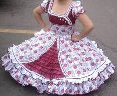 Resultado de imagen para venta de vestidos de huasa Frock Design, Dress Sites, Kids Lehenga, Fashion Dictionary, Kids Frocks, Dance Outfits, Fashion Outfits, Womens Fashion, Baby Dress