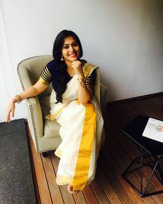 Onam Saree, Kasavu Saree, Handloom Saree, Set Saree Kerala, Kerala Saree Blouse Designs, Saree Poses, Stylish Sarees, Elegant Saree, Indian Designer Outfits