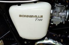 Triumph Bonneville T100, Glass Of Milk