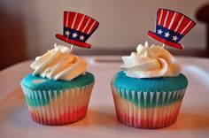 pictures of fourth of july cupcakes - Google Search 4th July Cupcakes, Yummy Cupcakes, Cupcake Cakes, Cupcake Ideas, Holiday Cakes, Eat Dessert First, Love Cake, Yummy Food, Yummy Recipes