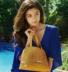 Alia Bhatt If You Like Than Please Follow Shrashtijain Caprese Bags