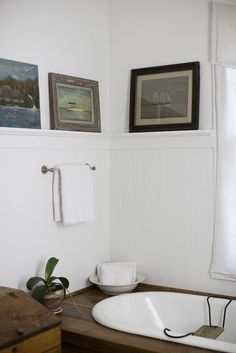 The bathroom of a Victorian home in Nor. The bathroom of a Victorian home in Nor… Photo Credit: Patricia Lyons. The bathroom of a… - Bad Inspiration, Bathroom Inspiration, Interior Inspiration, Home Nyc, North Carolina Homes, Southern Homes, Beautiful Bathrooms, Victorian Homes, Sweet Home
