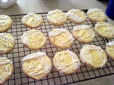bacteria colony cookies! I would use red frosting as a base though for blood agar plates...cool idea!