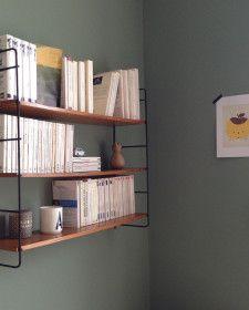 Vintage boekenplanken van Tea and Kate