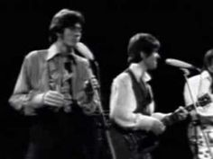 THE BEE GEES ~ WORLD ~ The Bee Gees singing their #1 hit on a show called the beat club...1967-1968 - YouTube