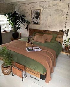 Diversity, blending and coordinating sentiment, colors and common societies makes up boho bedroom. Room Ideas Bedroom, Bedroom Green, Home Decor Bedroom, Cozy Bedroom, Dream Rooms, Dream Bedroom, Loft Interior, Interior Design, Aesthetic Room Decor