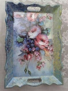 You are in the right place about Decoupage macetas Here we offer you the most beautiful pictures about the Decoupage paper you are looking for. Decoupage Vintage, Decoupage Box, Tole Painting, Painting On Wood, Deco Podge, Diy And Crafts, Arts And Crafts, Decoupage Furniture, Shabby Chic Crafts
