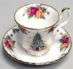 Royal Albert China - Old Country Roses Christmas Magic