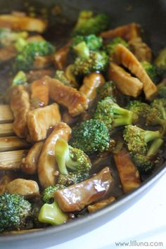 Pork and Broccoli Stir-Fry! If you love Asian food you'll love this simple and delicious dinner recipe. Lots of flavor! Broccoli Stir Fry, Broccoli Recipes, Pork Recipes, Asian Recipes, Cooking Recipes, Healthy Recipes, Broccoli Dishes, Oriental Recipes, Broccoli Chicken