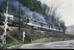 RailPictures.Net Photo: SOU 2813 Southern Railway EMD GP38-2 at Appalachia, Virginia by Ron Flanary