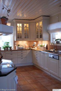 köksluckor,vitrinskåp,kök,marbodal