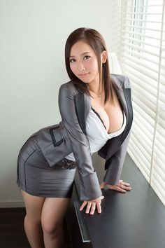 Very attractive Lady Sexy Outfits, Sexy Asian Girls, Hot Girls, Asian Ladies, Elegantes Outfit, Asia Girl, Beautiful Asian Women, Pretty Asian, Asian Woman