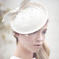 Wedding Veil Bridal Hat Bow Felt Hat Off White Saucer Hat