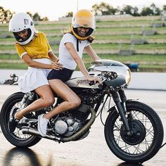 Friday fun via @caferacerinfinity #solinvictus #caferacer #caferacerxxx #mercury #mercurycaferacer #custombike #custommotorcycle #scooter #wasp #newcastle #sydney #newtown #camperdown #ninetynineco #croig #tracker #menstyle #workshop #backtogrease #babesonbikes by sol_invictus_moto