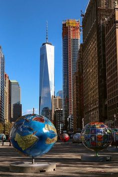 NYC.......BEAUTIFUL JUST BEAUTIFUL.....WHERE ELSE WOULD YOU FIND SUCH BEAUTY THAN HERE IN AMERICA......NO WHERE ELSE.