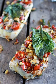 Simple Crispy Basil Caramelized Garden Vegetable Fontina French Bread Pizza ~ Great for a fast dinner, appetizer or snack! Pizza Recipes, Vegetarian Recipes, Cooking Recipes, Healthy Recipes, Healthy Food, Healthy Eating, Antipasto, French Bread Pizza, Flat Bread