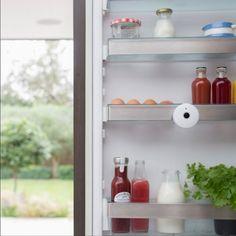 Keep an eye on the contents of your fridge and their freshness with #FridgeCam from @smarter.am. #connectedkitchen #iot #fridgeselfie #smartrefrigerator #fridgeinventory #technology #ces2017 #tech #viatec viatec.do