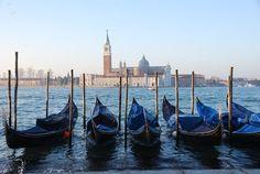 Gondeln Markusplatz Venedig Italien