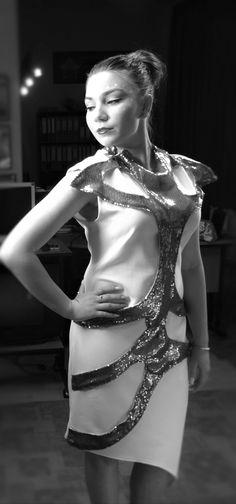 the_asymmetric_dress_artmandy_by_alexandra_giurgiteanu_02