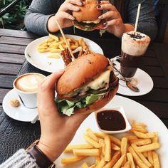 Image about food in yum😍 by Anin on We Heart It I Love Food, Good Food, Yummy Food, Tasty, Tumblr Food, Healthy Food Tumblr, Cheese Burger, Food Goals, Aesthetic Food