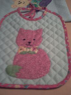 Un gato rosa