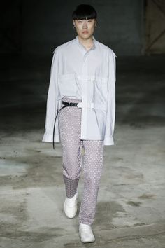 Damir Doma Spring 2018 Menswear Collection Photos - Vogue
