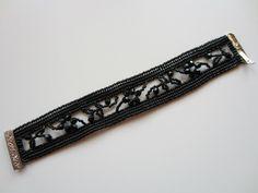 Spitzen-Armband in schwarz aus Delicas im Fischgrätenstich