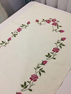 Cross Stitch Borders, Cross Stitch Rose, Cross Stitch Designs, Cross Stitch Patterns, Hand Embroidery Videos, Embroidery Stitches, Flower Embroidery Designs, Prayer Rug, Baby Knitting Patterns