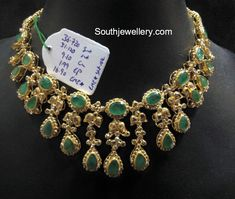 Emerald And Uncut Diamond Necklace Antic Jewellery, Indian Jewelry Earrings, Indian Jewelry Sets, Jewelry Design Earrings, Indian Wedding Jewelry, Emerald Jewelry, Necklace Designs, Gold Jewelry, Cz Jewellery
