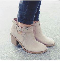 Image via We Heart It https://weheartit.com/entry/166637911/via/24310285 #boots #fashion #shoes #swag