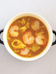 【ELLE a table】細切りワンタンの海老カレースープレシピ|エル・オンライン