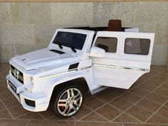 COCHES INFANTIL 12V CON MANDO - MERCEDES G63 BLANCO. 12PKCG63WRC, IndalChess.com Tienda de juguetes online y juegos de jardin Kids Power Wheels, Power Wheels Jeep, Toy Cars For Kids, Toys For Girls, Luxury Kid Cars, Toy Cars For Sale, Coming Home Outfit Boy, Best Electric Car, Little Girl Gifts