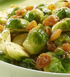 Roerbak spruitjes is een gerecht met gezonde groente en is lekker snel klaar. Het heeft een pittige touch door de gember en walnoten. 100% Koolhydraatarm