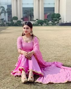 @Sargun Punjabi Suits Designer Boutique, Indian Designer Suits, Shadi Dresses, Pakistani Dresses Casual, Punjabi Girls, Punjabi Dress, Dress Indian Style, Indian Outfits, Frock Suit Anarkali