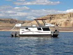 46-foot Voyager Class Houseboat
