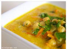 Spicy thai gryte med urter, grønnsaker og kikerter.