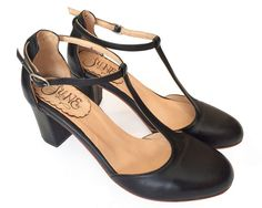 Beautiful 30 Best High Heel Shoes Ideas For Active Women https://www.tukuoke.com/30-best-high-heel-shoes-ideas-for-active-women-15733