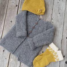 #rillejakke #snøløvvotter #klompelompe #dropsgarn #dropsmerinoextrafine #barnestrikk #strikk #dropsair #strikking #strikket #strikke #dropsfan @dropsdesign #knitting_inspiration #knit #knitting #knitted #garnstudio #knittersofinstagram #knitstagram #instaknit #strik #sticka #stricken