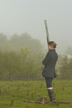 Pheasant shooting: Lady guns go pheasant shooting and raise money for Breast Cancer Campaign. Country Wear, Country Fashion, Town And Country, Country Life, Country Style, English Country Manor, British Country, Grouse Hunting, Hunting Dogs
