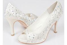 Crystal wedding shoes to add glitz and glamour : Wedding Clan