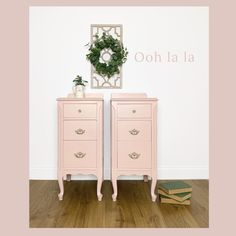 Country Chic Paint - Pink and Red — Two Old Souls Pink Nightstands, Diy Nightstand, Vintage Nightstand, Painted Hutch, Painted Furniture, Bedroom Furniture, Diy Furniture, Country Chic Decor, Painted Side Tables