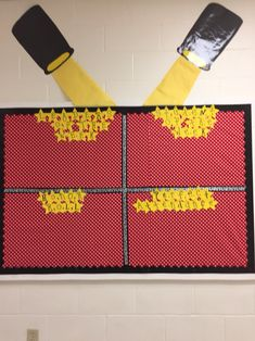 Bulletin board to reward students for leaders of the week, honor roll and perfect attendance.