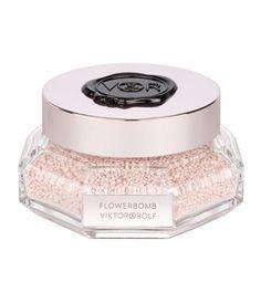 Su Bath Decadence (95 euros) es una auténtica joya y además un perfume muy original. Su contenido son pequeñas perlas que se echan en el baño Flower Bomb, Perfume Bottles, Beauty, Fragrance, Pearls, Weddings, Perfume Bottle, Beauty Illustration