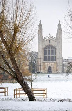 King's College in the snow, Cambridge King's College Cambridge, British College, Alma Mater, Great British, Christmas Inspiration, Winter Wonderland, Places Ive Been, Britain, Buildings