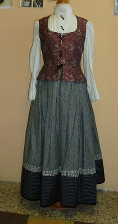 Emakumea Mujer European Dress, Costume Design, Beautiful Outfits, Cosplay, Formal Dresses, Hair Styles, How To Wear, Clothes, Beauty