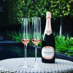 Premium Champagne Glasses Set - sevdele Love Series Toasting Flutes Wedding Set - Stylish Champagne Glass Set for Engagements - Affordable, Durable Champagne Flutes, Hand Blown - Rose Gold Set of 2 Perrier Jouet, Toasting Flutes, Champagne Glasses, Gold Set, Wedding Sets, Alcoholic Drinks, Rose Gold, Engagement, How To Make