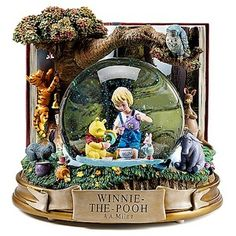 Disney Snowglobe Classic Winnie The Pooh and Christopher Robin
