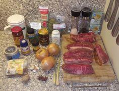 Benodigdheden: 1 kilo sukadelappen (in blokjes gesneden) (peper en zout uit de molen en bloem voor de vleesblokjes) 200 ml kokosmelk 3 uien (heel klein gesnipp
